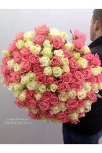 101 роза микс белых и розовых 80 см