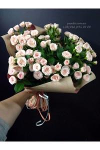 15 кустовых роз кремовых 50 см