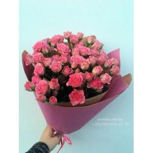 15 кустовых роз розовых 40 см