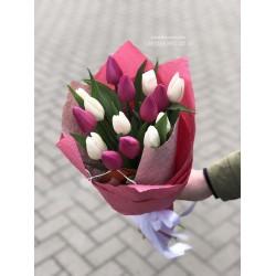 15 тюльпанов микс белых и розовых