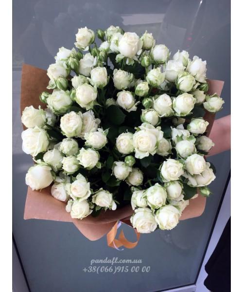 19 кустовых роз кремовых 60 см