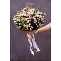 19 кустовых роз розовых 60 см