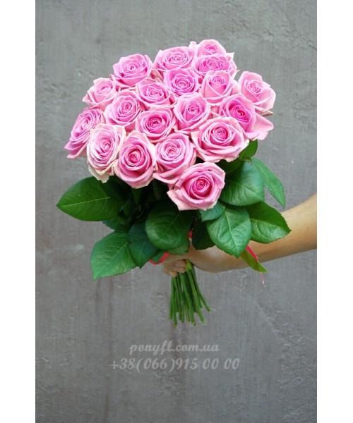 19 розовых роз Аква 60 см