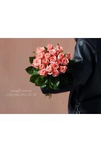 19 розовых роз Карина 70 см
