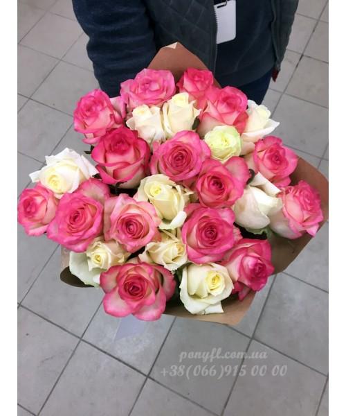 25 роз микс белых и розовых 60 см