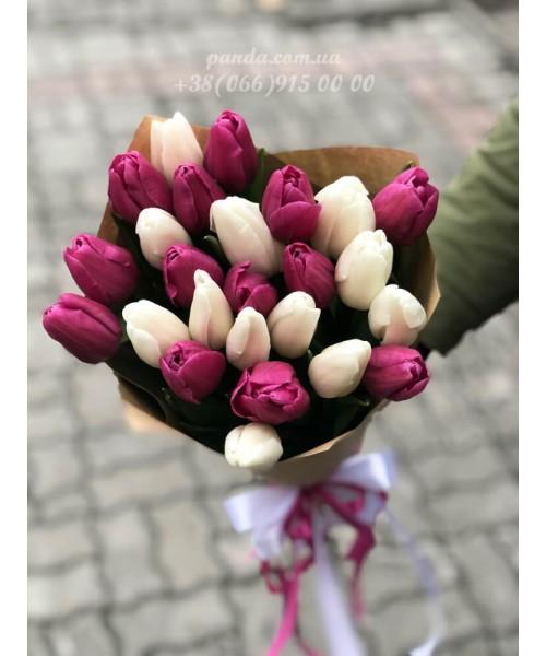 25 тюльпанов микс белых и фиолетовых