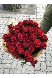35 красных роз Гран При 60 см