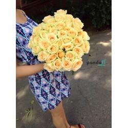 45 кремовых роз 80 см