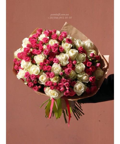 51 роза микс белых и розовых кустовых 60 см