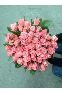 51 розовая роза Карина 70 см