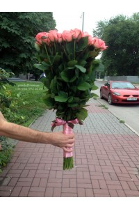 51 розовая роза Карина 80 см