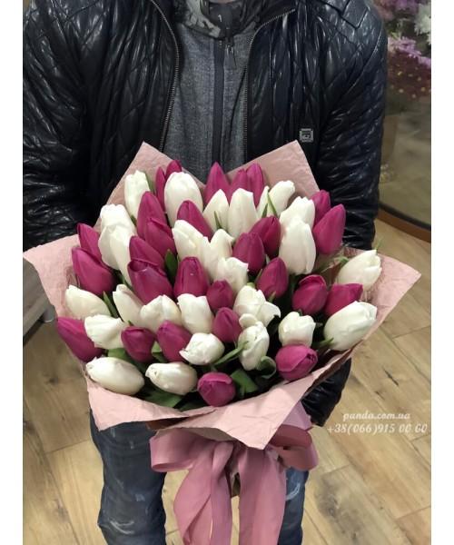51 тюльпан микс белых и лиловых
