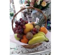 Набор корзина фруктов и букет 9 хризантем