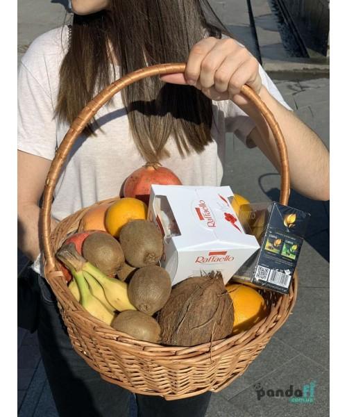 """Подарочная корзина фруктов """"Сладкий набор"""""""